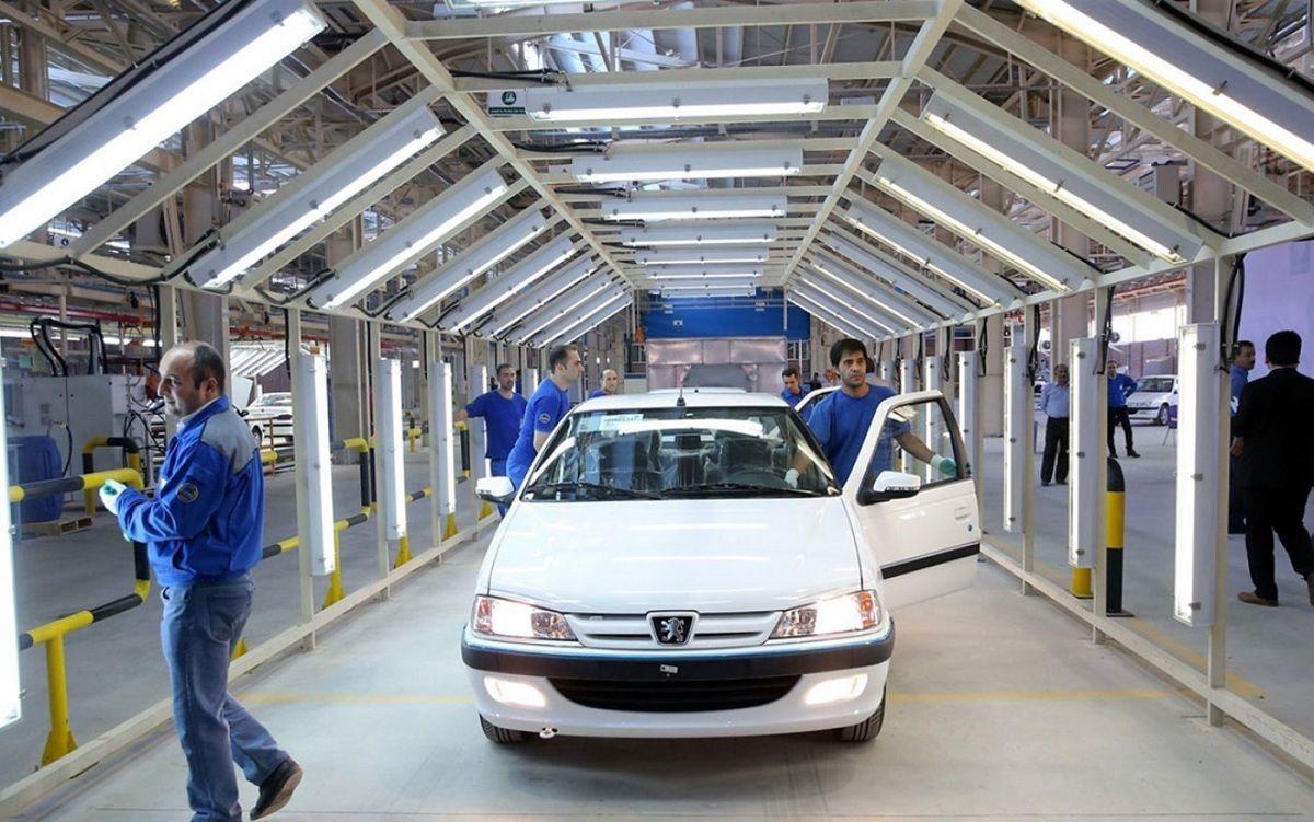 شاخص قیمت خودرو در آذر کاهشی شد