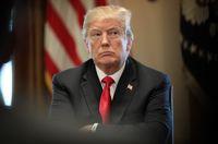 ترامپ: ایران با آتش بازی میکند