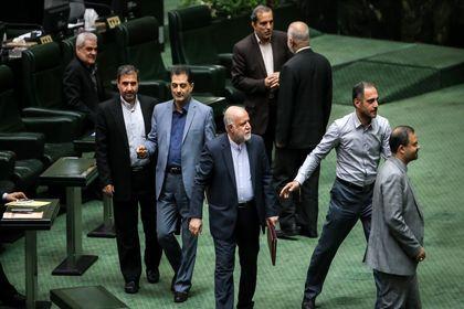 جلسه علنی مجلس با حضور وزرای اقتصاد و نفت +تصاویر