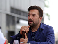 مجید صالحی و نیسان آبی +عکس