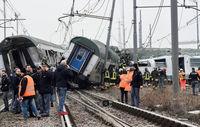خارجشدن قطار از ریل در ایتالیا +تصاویر
