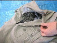 کشف تریاک در داخل پیراهن کادویی توسط ماموران گمرک