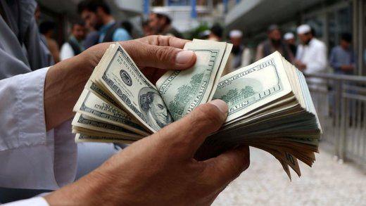 قدرتنمایی دلالان ارز در روز نیمه تعطیل هفته
