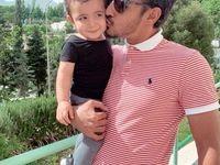 بوسه رضا قوچاننژاد بر صورت پسرش +عکس