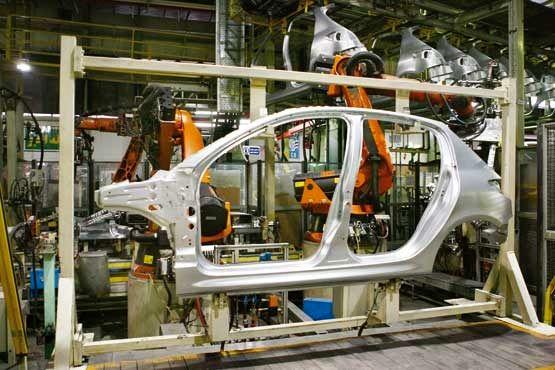 راهکار تامین نقدینگی خودروسازان چیست؟/ قیمتگذاری دستوری کمر صنعت را خم کرد