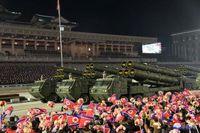 کره شمالی از موشکهای بالستیک جدید خود رونمایی کرد