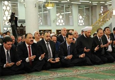 حضور اسد در نماز عید قربان +عکس