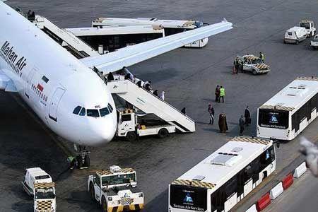 گردشگران در انتظار بازگشت پروازها به آسمان ایران