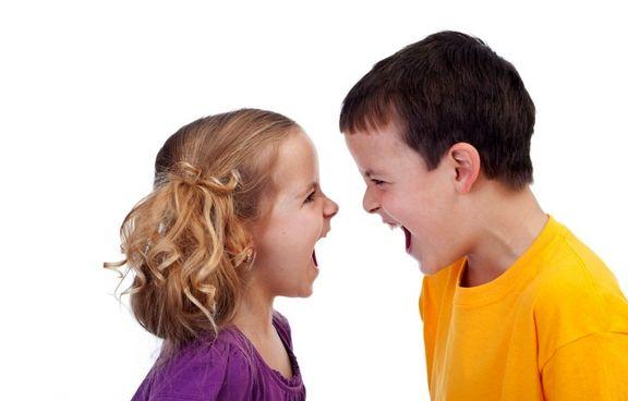 چگونه به دعوای خواهر و برادری پایان دهیم؟