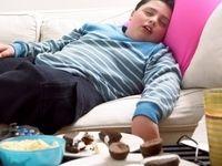 کودکان آنلاین و میل به خوردن غذاهای کاذب