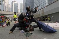 تظاهرات معترضان هنگ کنگ در آستانه روز ملی چین +تصاویر