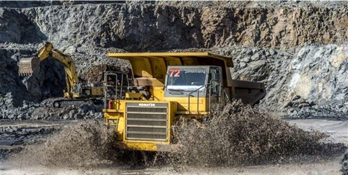 ۳کارگر به دلیل ریزش معدن محبوس شدند