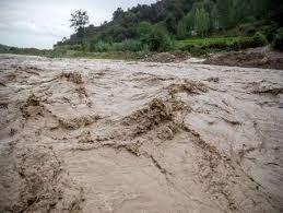 جاری شدن سیلاب در سمنان