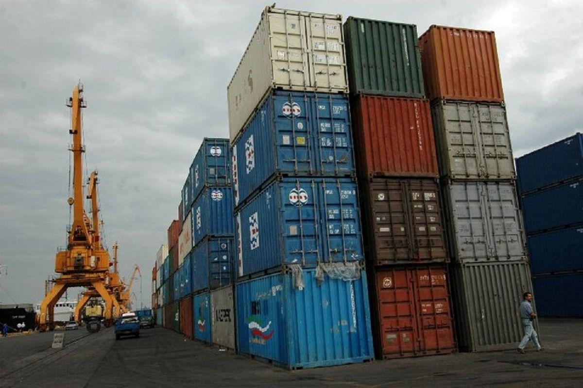 ممنوعیت  واردات ۲۴۰۰قلم کالا به کشور