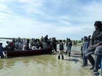سیلاب لرستان، جنازه یک مرد را ۳کیلومتر دورتر برد