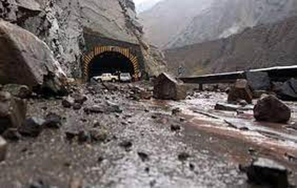 هشدار در مورد ریزش سنگ در محورهای کوهستانی البرز