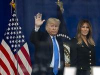 ترامپ و همسرش در مراسم رژه کهنهسربازان +تصاویر