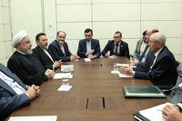 ایران و الجزایر روابط تجاری و اقتصادی خود را باید گسترش دهند