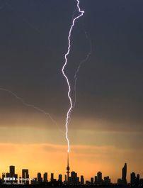 3199633_02bf4535-aa93-4f48-bd6a-72c380c0789b-AP_APTOPIX_Weather_Kansas