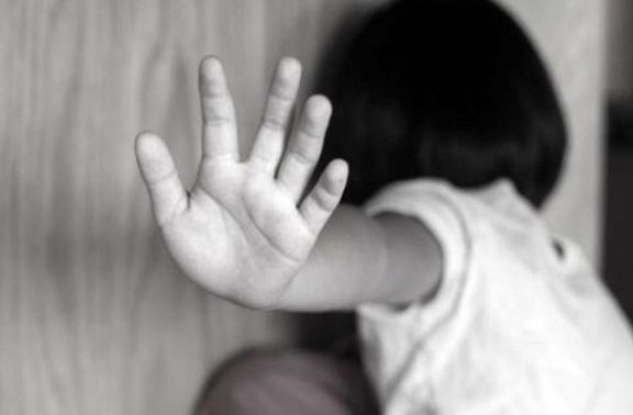 تلاش پلیس برای نجات دختر از چنگال باند کودک آزار +عکس