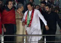 عمران خان 118کرسی پارلمان پاکستان را به دست آورد