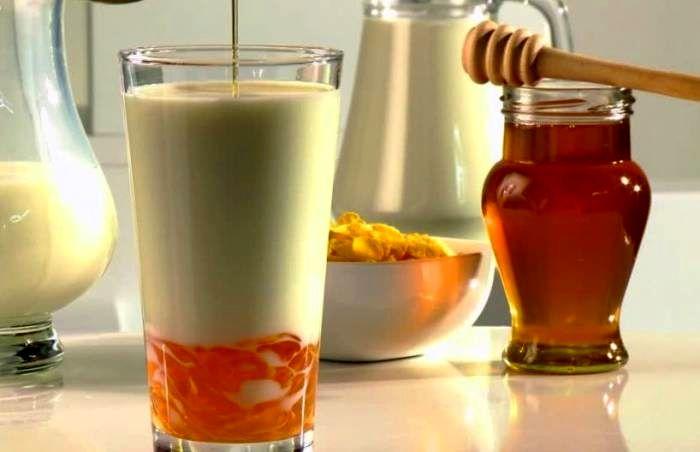 شیر عسل گرم