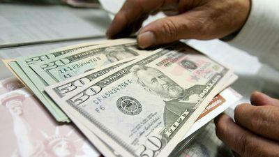قیمت دلار طبق پیشبینیها حرکت نکرد