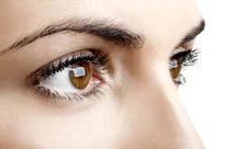 عفونت چشم با استفاده از لنز و مژه مصنوعی