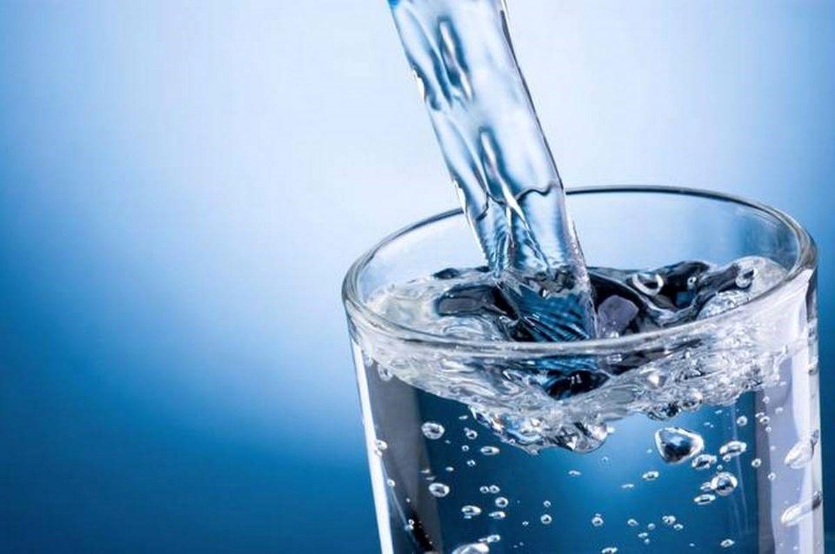 ۵تاثیر شگفت انگیز نوشیدن آب روی مغز!
