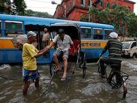 بارش شدید باران خیابانهای هند را غرق کرد +تصاویر