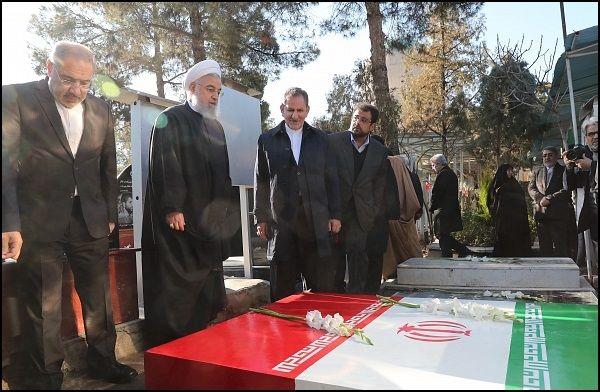 مراسم تجدید میثاق اعضای دولت با آرمانهای امام راحل