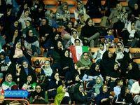 حضور بانوان درسالن ۱۲هزارنفری آزادی برای تماشای والیبال +عکس