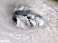 تصویری حیرت انگیز از چشم طوفان دوریان