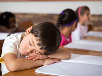 حل مشکلات رفتاری کودکان با خواب بعداز ظهر