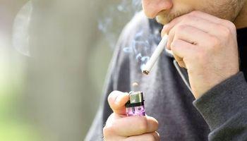 دوری از دود سیگار برای کاهش فشارخون