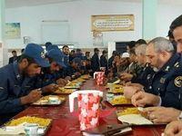 همسفره شدن فرمانده هوایی ارتش با سربازان +عکس