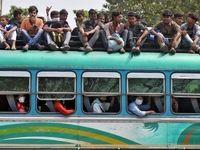 مردم هند در حال بازگشت به روستاها با اتوبوس +عکس