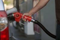 راهکار 40 اقتصاددان برای فرار از تله بنزین