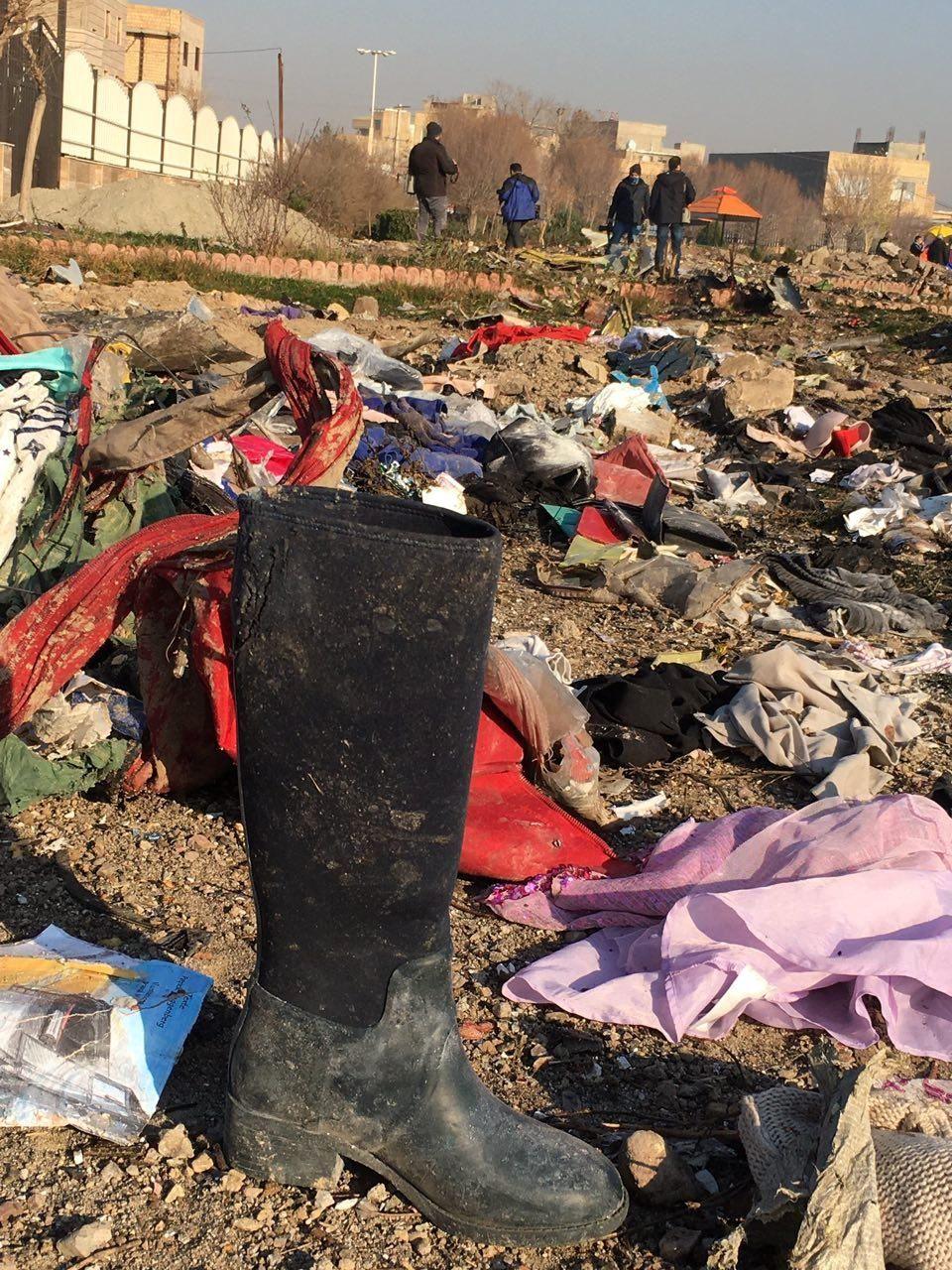 تصاویری از محل سقوط هواپیمای اوکراینی