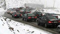 جاده چالوس و هراز برفی شد