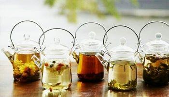 ۹ دمنوش گیاهی برای درمان یبوست