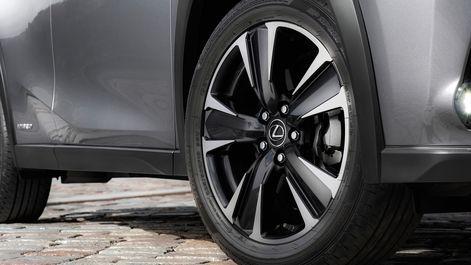 2019-Lexus-UX-250h-Mercury-Grey-F-Sport-10