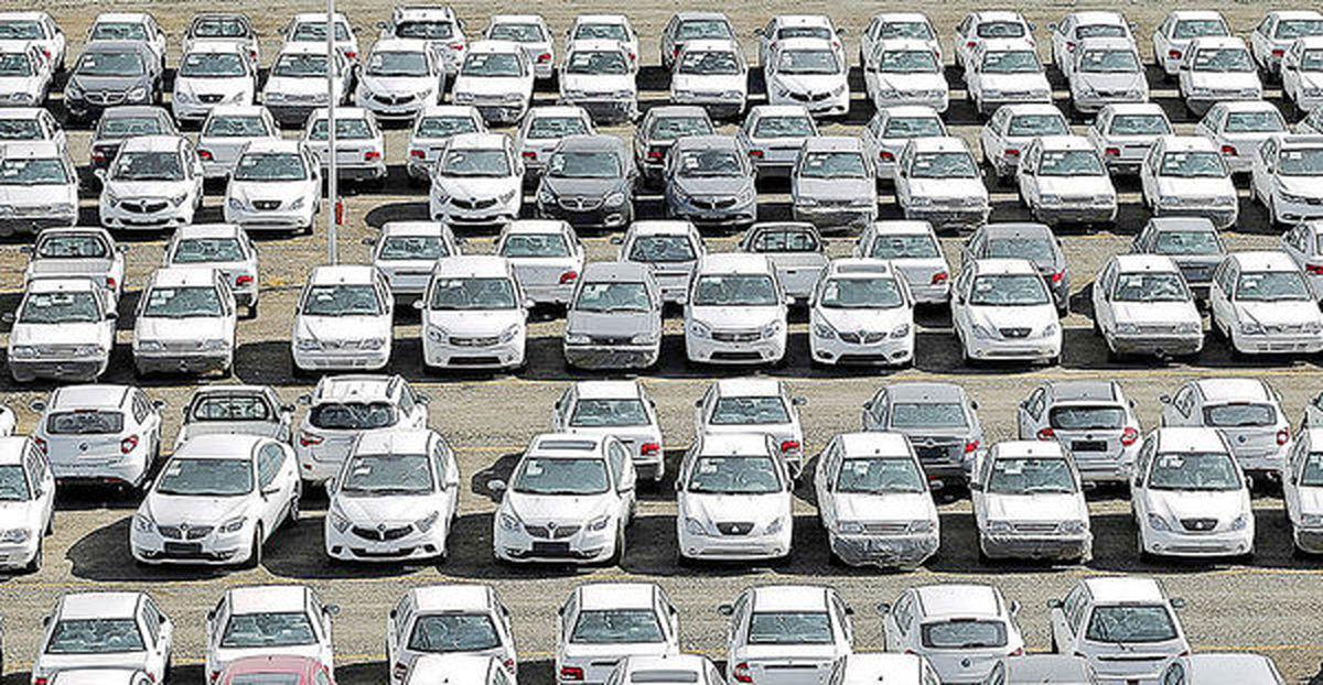پافشاری برای خلاصی از زیان دهی خودروسازان