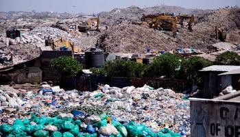 زندگی در میان زبالههای کنیا +تصاویر