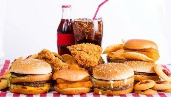 این 15خوراکی را از سبد غذاییتان حذف کنید
