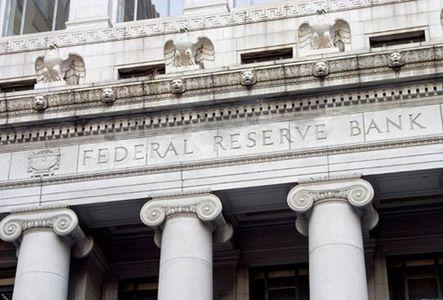 فدرال رزرو: افزایش مجدد نرخ بهرهبانکی زود است