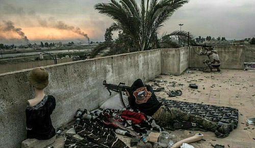 استفاده از مانکن در جنگ با داعش +عکس
