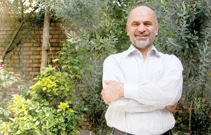 فرشاد مومنی: انقلاب امید به زندگی ایرانیان را افزایش داد