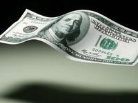 کم رنگ شدن نقش دلار در نظام مالی جهانی