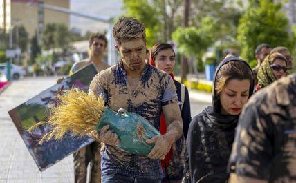 بداهه سیل انسانی«گل رو » در شیراز